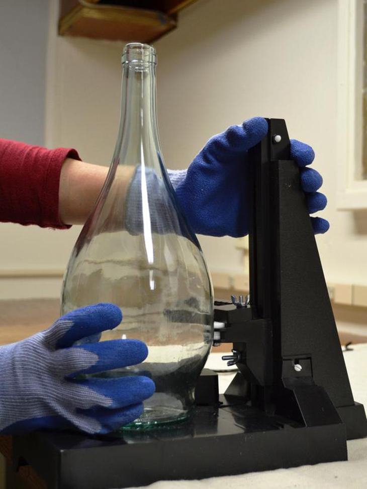 C mo hacer l mparas colgantes con botellas de vidrio for Cortador de vidrio